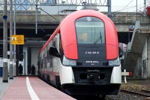 EN76-027 Kolei Wielkopolskich na stacji Poznań Główny fot. Aleksander Majewski